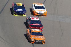 Daniel Suarez, Joe Gibbs Racing, Toyota Camry ARRIS, Austin Dillon, Richard Childress Racing, Chevrolet Camaro Dow
