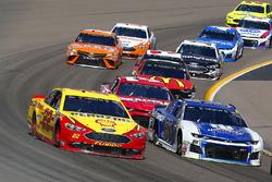 Joey Logano, Team Penske, Ford Fusion Pennzoil, Alex Bowman, Hendrick Motorsports, Chevrolet Camaro Nationwide