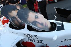 F1 Experiences coche de 2 plazas y caras recortadas de cartón de Daniel Ricciardo, Red Bull Racing y Max Verstappen, Red Bull Racing