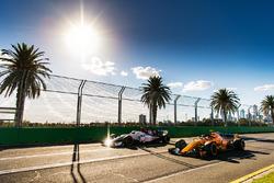 Charles Leclerc, Sauber C37 y Stoffel Vandoorne, McLaren MCL33