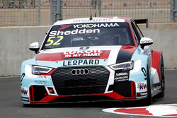Tom Kristensen with the Audi RS3 LMS of Gordon Shedden
