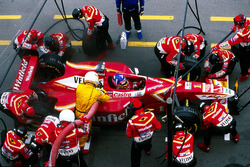 Jacques Villeneuve, Williams FW20, makes a pit stop