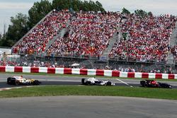 Sebastian Vettel, Scuderia Toro Rosso STR03 lidera a Robert Kubica, BMW Sauber F1.08 y Fernando Alonso, Renault F1 Team R28