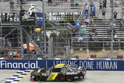 Justin Allgaier, JR Motorsports, Chevrolet takes the win