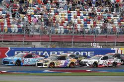 Chase Elliott, Hendrick Motorsports, Chevrolet Camaro SunEnergy1 Darrell Wallace Jr., Richard Petty Motorsports, Chevrolet Camaro World Wide Technology