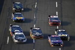 Denny Hamlin, Joe Gibbs Racing, Toyota Camry FedEx Express and Clint Bowyer, Stewart-Haas Racing, Chevrolet Camaro Stewart-Haas Racing Fan Club