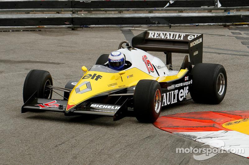 Alain Prost con su Renault F1 1983