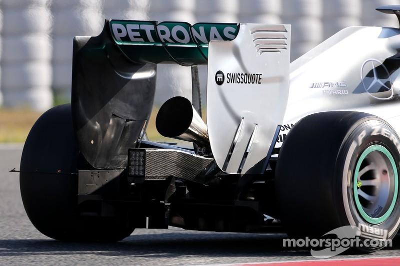 Il nuovo scarico sulla Mercedes GP