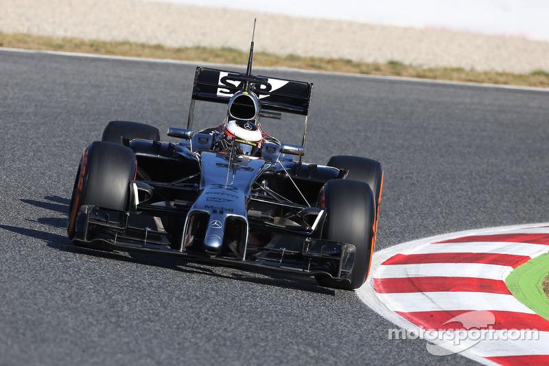 Май 2014: Стоффель Вандорн. Тесты в Барселоне с McLaren