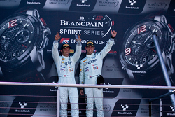 Podium: race winners Hari Proczyk, Jeroen Bleekemolen