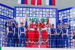 GTC领奖台:冠军安德烈亚·皮奇尼,强尼·劳尔森,米克尔·麦克·简森,第二名第二名奥利维尔·贝雷塔,大卫·马可佐夫,安东·拉迪金,第三名基里尔·拉迪金,阿列克谢·巴索夫,卢卡·佩尔西亚尼