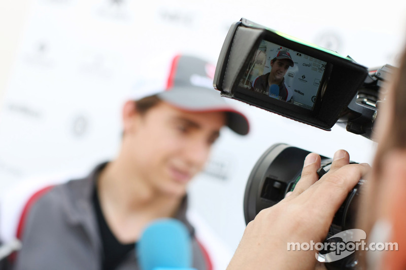 Esteban Gutierrez, Sauber with the media