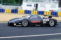 1997 #22 Nissan R390 GT1: Eric van de Poele, Riccardo Patrese, Aguri Suzuki