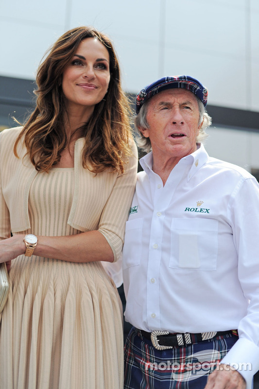 (Links naar rechts): Tasha de Vasconcelos, model en actrice, met Jackie Stewart