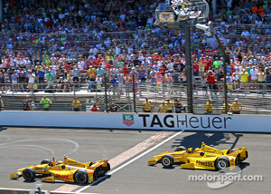 Ryan Hunter-Reay wins