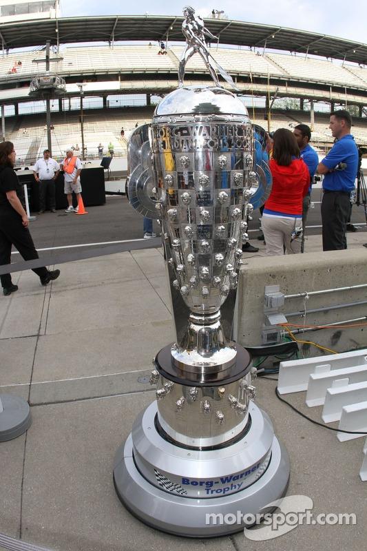 Il Borg-Warner Trophy