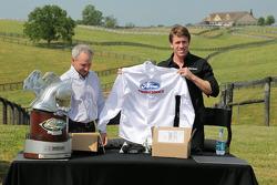 Carl Edwardsen visite à la Dreamfields Farm (Kentucky)