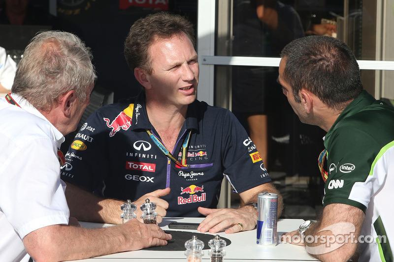Dr Helmut Marko, Red Bull Motorsporları Danışmanı, Christian Horner, Red Bull Racing, Sportif Direktör ve Cyril Abiteboul , Takım Müdürü, Caterham F1 Takımı 06