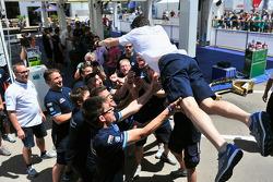 Francois-Xavier Demaison celebra con VW team