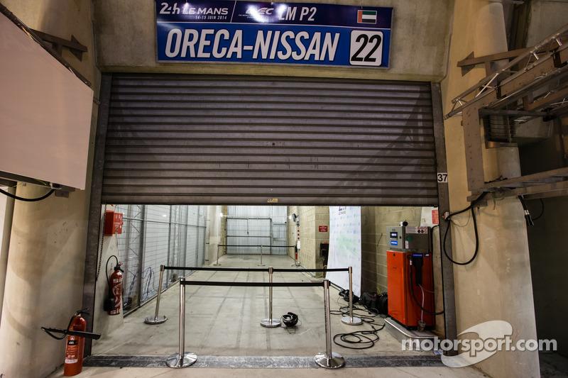 Millenium Racing boş garaj alanı