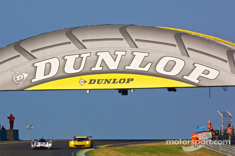 Dunlop Köprüsü gündüz saatlerinde