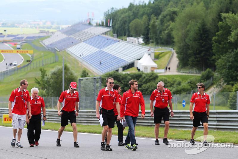 Marussia F1 Team lungo il circuito