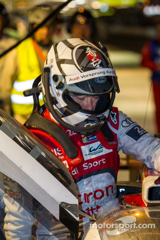 Andre Lotterer pegando o #2 Audi
