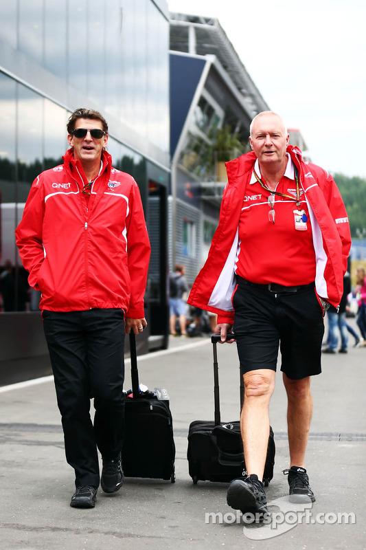 Graeme Lowdon, Marussia F1 Team, Geschäftsführer, mit John Booth, Marussia F1, Teamchef