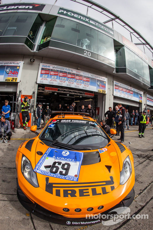 #69 Dörr Motorsport 迈凯伦 MP4-12C: 阿尔诺·克拉森, 鲁迪·亚当斯, 阿尔瓦罗·帕伦特, 塞巴斯蒂安·阿施