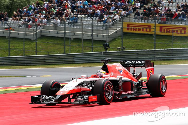 Jules Bianchi, Marussia F1 Takımı MR03 genişten alıyor