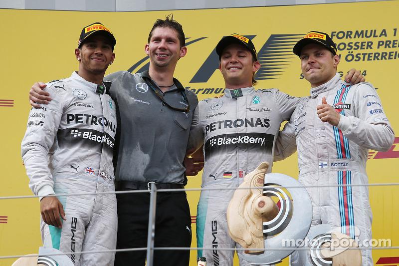 Podium: Sieger Nico Rosberg, 2. Lewis Hamilton, 3. Valtteri Bottas