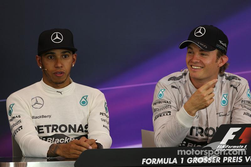 Lewis Hamilton, Mercedes AMG F1 y Nico Rosberg, Mercedes AMG F1 en la conferencia de prensa de la FI