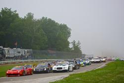 PWC周六比赛起步,和#16 R. Ferri车队,法拉利458 GT3 Italia: Nick Mancuso
