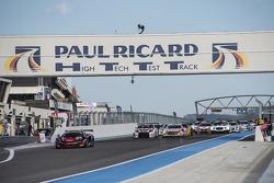 Largada: #98 ART Gre Prix McLaren MP4-12C: Gregoire Demoustier, Nicolas Lapierre, Alvaro Parente lid
