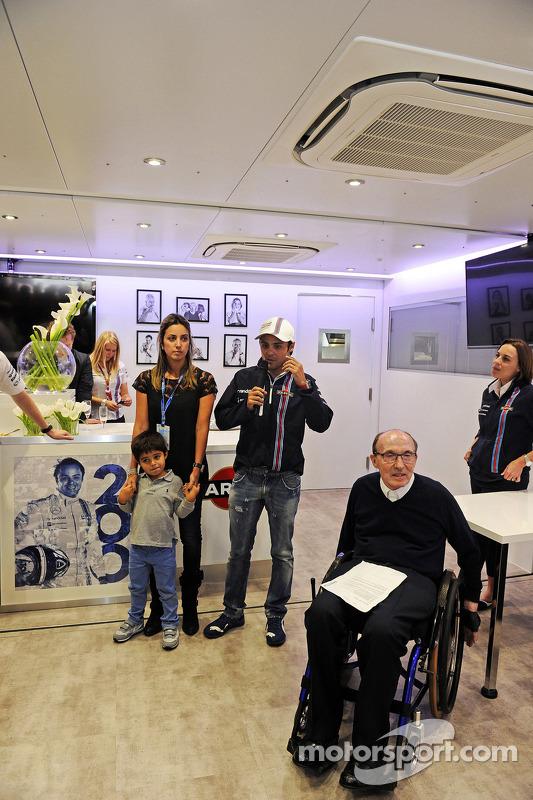 Felipe Massa fête son 200e GP avec sa famme Rafaela Basi, Claire Williams et l'équipe