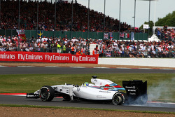 Felipe Massa, Williams FW36 with punctured rear wheel and rear suspension damage
