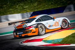 #86 Gulf Racing UK 保时捷 911 GT3 RSR: 迈克尔·温赖特, 亚当·卡罗尔, 迈克尔·梅多斯