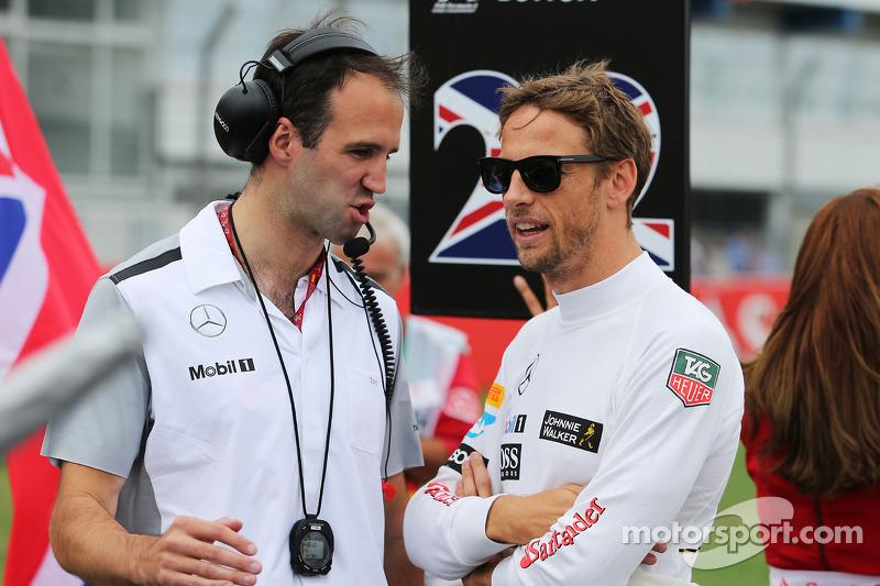 Jenson Button, McLaren con Tom Stallard, McLaren Ingegnere di pista