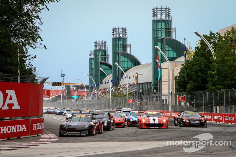 Pirelli World Challenge race start