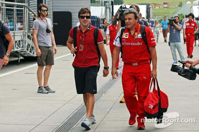 Fernando Alonso, Ferrari with Fabrizio Borra, Ferrari Physio