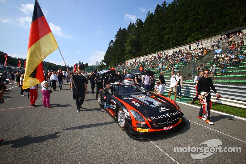 #18 Black Falcon 梅赛德斯 SLS AMG GT3: 理查德·穆斯卡特, 弗拉迪米尔·伦金, Saud Turki Al Faisal, Christian Bracke