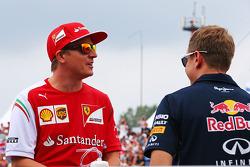 Fahrerparade: Kimi Räikkönen, Ferrari; Sebastian Vettel, Red Bull Racing