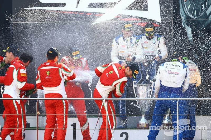 #51 AF Corse 法拉利 458 Italia: 塞德里克·梅扎尔, 彼得·曼恩, 弗朗西斯科·格德斯