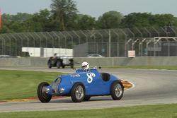 #88 1937 布加迪 type 57:斯科特·拉尔森