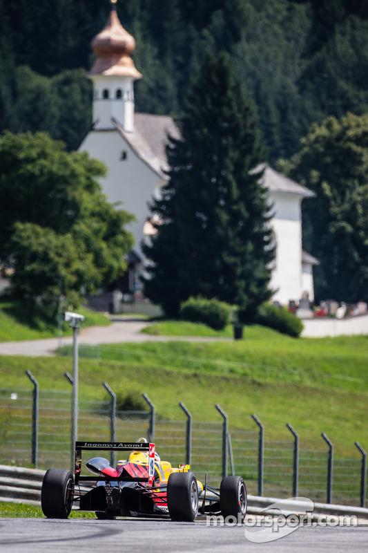 Antonio Giovinazzi, Jagonya Ayam, com Carlin Dallara F312 Volkswagen