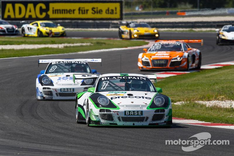 #7 Tonino Team Herberth 保时捷 911 GT3 R: 赫伯特·汉德洛斯, 罗伯特·雷瑙尔