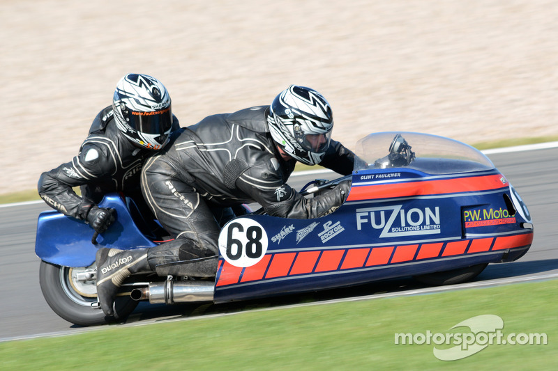 Clint Faulkner ve Ben Gray, MRE 1169cc