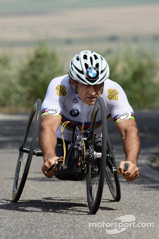 Alex Zanardi se prepara para competir no triatlo de longa distância, que acontecerá em outubro, no Havaí