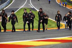 Streckenbegehung: Romain Grosjean, Lotus F1 Team