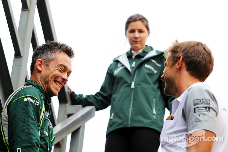 (L to R): Andre Lotterer, Caterham F1 Team with Jenson Button, McLaren